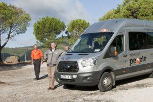 de bus tijdens rondreis Andalusië natuur